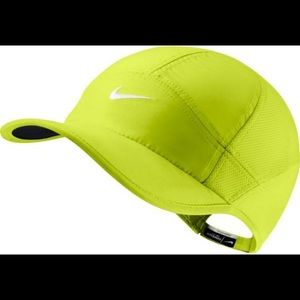 Nike Women's Feather Light 2.0 Hat in chartreuse